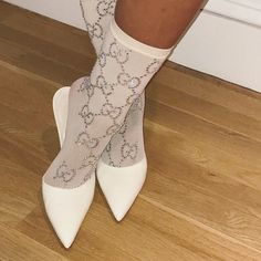 These Gucci socks on Rihanna's gram are the ones Socks And Heels, High Heel Boots, Heeled Boots, Rihanna Looks, Rihanna Style, Low Cut Dresses, Design Logo, Prom Heels, Kawaii