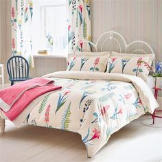 Sanderson - Traditional to contemporary, high quality designer fabrics and wallpapers | Home Accessories - Sanderson has a wide range of rugs, towels, bedlinen and home fragrances | British/UK Fabric and Wallpapers | Floral Bazaar Sanderson HOME