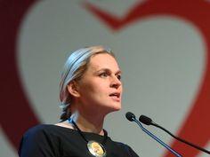 W Łodzi rozpoczęła się konwencja Zjednoczonej Lewicy, podczas której koalicja współtworzona przez SLD, TR, PPS, UP i Zielonych zaprezentowana swojego lidera - Barbarę Nowacką. - Dzisiaj spełnia się ma...
