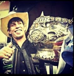 JB Mauney is the 2013 PBR world champion! 6 for I'm very proud to say I know this guy :) Rodeo Cowboys, Hot Cowboys, Real Cowboys, Professional Bull Riders, Bucking Bulls, 8 Seconds, Wild Spirit, Bad To The Bone, Bull Riding