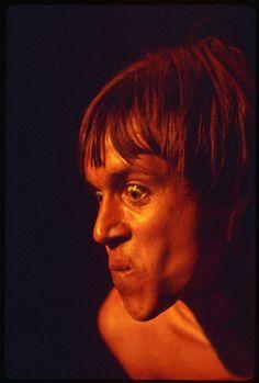 zombiesenelghetto:  Iggy Pop, photo by Ed Careef, Hollywood, 1970