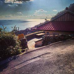 rim_ited / 이런 집에서 산다는 건 어떤 하루일까 / 경상남 남해 남 홍현 / #골목 #집 #지붕 / 2013 12 30 /