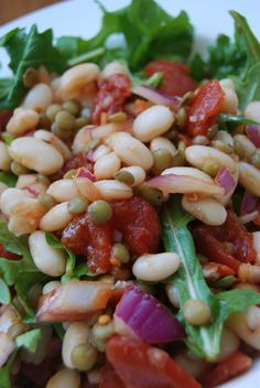Tomato white bean salad: what goes with the grill with Red Gold diced tomatoes.