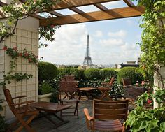 Hotel Raphael : Paris, France : Rooftop bar