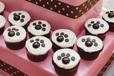 Paw cupcakes....because you know my girls are going to make me have a birthday party for the cats!
