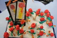 SANT JORDI - Material: cartolina, paper, pinzell, pintura, tisores, cola, llapisos, pasta de modelar autosecant, cinta - Nivell: INF P5 2015-16 Escola Pia Balmes