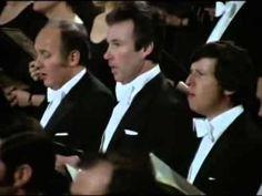 Ode à la joie 9è symphonie de Beethoven donnée par Bernstein - YouTube