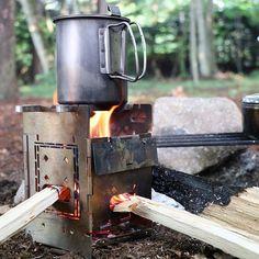 2016.7.24 Good morning いつもと変わらずソロの朝食は米です 本日は焦げなし . #白熊会芋蟲組no90 #ファイヤーボックス #firebox #firebox_stove #スノーピーク#snowpeak #チタントレック #最近のお気に入り #寝袋なしは寒すぎた #最低限の道具は必ず持って行きましょう #男の修行