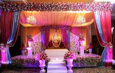 Indian Wedding Decor inspiration from Witty Vows Indian Wedding Receptions, Wedding Mandap, Desi Wedding, Floral Wedding, Wedding Venues, Wedding Entrance, Indian Weddings, Marriage Decoration, Wedding Stage Decorations