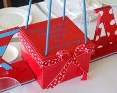 dr seuss balloons | Cat In The Hat Dr Seuss Hot Air Balloon Table Centerpiece - Le Petit