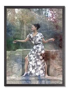 Oriental: Kunst og mote møtes i denne bildeserien. Jeg har samarbeidet med en make- up artist, og en stylist - og skapt bilder inspirert av den orientalske kultur. Fotografiene er tatt gjennom glass, så det som foregår bak meg får også betydning for hva som skjer foran kamera. Jeg har så malt med vannfarger på bildene.