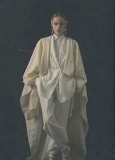 Jil Sander in Encens Magazine Jil Sander, Tamara Lempicka, Pose Portrait, Fashion Details, Fashion Design, High Fashion, Womens Fashion, Mantel, Editorial Fashion