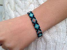 Beadwoven pulsera  Pulsera de cuentas de turquesa  por LYCKAjewelry