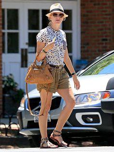 Happy Saturday + Feliz Sábado !!! Check Out These Casual & Elegant Star Looks + Casual… http://bravechica.com/2013/07/06/casual-elegant-star-looks-casuales-y-elegantes-looks-de-celebridades/ @BraveChica #Fashion #Style #CelebLooks #Trends