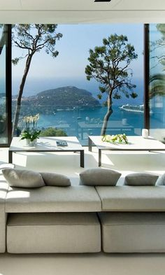 Bayview Villa in Villefranche sur Mer, Côte d'Azur, beach house glam, modern room overlooking French Riviera Interior Exterior, Exterior Design, Luxury Interior, Pool Bad, Beautiful Space, Beautiful Homes, Villefranche Sur Mer, My Dream Home, Luxury Homes