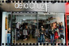 de la Cruz Jeans Sevilla.