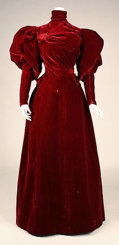 Beautiful red velvet Evening dress Design House: House of Worth Designer: Charles Frederick Worth Date: Culture: French Medium: silk Accession Number: 1890s Fashion, Edwardian Fashion, Vintage Fashion, Vintage Gowns, Vintage Outfits, Vintage Hats, House Of Worth, 19th Century Fashion, Moda Fashion