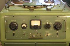 BTR-2 (EMI) 1952 - www.remix-numerisation.fr - Rendez vos souvenirs durables ! - Sauvegarde - Transfert - Copie - Digitalisation - Restauration de bande magnétique Audio - MiniDisc - Cassette Audio et Cassette VHS - VHSC - SVHSC - Video8 - Hi8 - Digital8 - MiniDv - Laserdisc - Bobine fil d'acier - Micro-cassette - Digitalisation audio - Elcaset