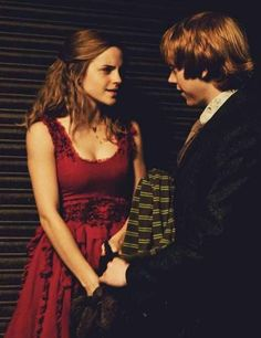 Emma Watson and Rupert Grint ~ Harry Potter and the Deathly Hallows