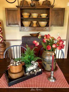 primitive homes daily crossword Primitive Homes, Primitive Dining Rooms, Primitive Kitchen, Primitive Furniture, Country Primitive, Country Furniture, Prim Decor, Rustic Decor, Primitive Decor