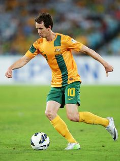 a55aa270174 Robbie Kruse Photos - Robbie Kruse of the Socceroos controls the ball during  the FIFA 2014 World Cup Qualifier match between the Australian Socceroos  and ...