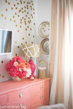 Jazz up your lampshade by adding geometric shapes with painters tape! Learn how to make this gold geometric lampshade! Lampshades, Diy Lampshade, Diy Home Decor, Room Decor, Big Girl Rooms, Kids Rooms, Light Decorations, My Room, Interior Design