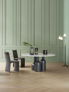 """Italian furniture brand Bonaldo released two new designs that totally flip the script by reinterpreting typical roles and creating an """"upside-down world. Cheap Dining Room Chairs, Shabby Chic Table And Chairs, Italian Furniture Brands, Luxury Furniture, Dining Table Design, Round Dining Table, Table Furniture, Home Furniture, Furniture Dolly"""