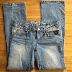 Light Blue Denim Jeans Size 9, boot cut, regular jeans. Worn a few times. Good condition! SO Jeans Boot Cut