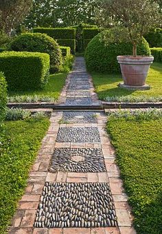 Stunning DIY Garden Path and Walkways Design Ideas 02 Garden Paving, Garden Paths, Herb Garden, Vegetable Garden, Path Design, Landscape Design, Design Ideas, Rock Walkway, Brick Pathway