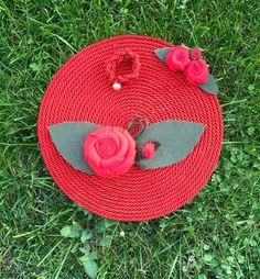Sottopiatto in corda con porta tovagliolo e rose decorative  Tutorial  FB le borse di Cris