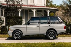 Stunning Range Rover Classic TWR Edition Finished in Popular Nardo Grey Unveiled by E. Custom Range Rover, Range Rover Jeep, Range Rovers, Nardo Grey, Range Rover Supercharged, Top Luxury Cars, Range Rover Classic, Jaguar Land Rover, Classy Cars
