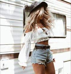 42 Chic Summer Outfits Ideas You Should Try - Festival looks - {hashtags Festival Looks, Festival Mode, Festival Style, Festival Crop Tops, Music Festival Fashion, Chic Summer Outfits, Trendy Outfits, Country Concert Outfit Summer, Style Summer