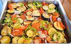 Kitchen Stories: Oven Baked Chicken and Vegetables Greek Style Chicken, Briam, Oven Baked Chicken, Kitchen Stories, Chicken And Vegetables, Kung Pao Chicken, Ratatouille, Vegetable Recipes, Potato Salad