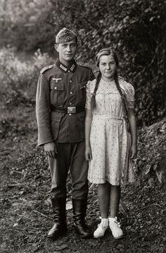 August Sander - Kurt und Elise Sander, Hemmelzen, 1942