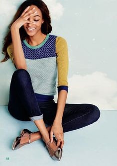 love all the variations in color and texture with this sweater, plus dark skinny jeans.
