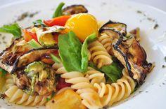 Que arraso!!! Uma pitanga na cozinha: Salada morna de macarrão