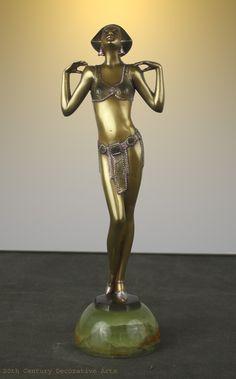 A stylish and rare Art Deco Austrian bronze  figure by Josef Lorenzl, circa 1928 depicting the celebrated Czech soprano singer Maria Jeritza