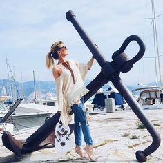 En plein shooting de la collection @tendance_unique ça sent l'été ce matin  happy samedi friends  restez connectés si vous êtes sur la côte d'azur j'ai des places à faire gagner cet am. Bisouiiiiiiilllles  #fashion #fashiongram #fashionblog #fashionpost #instadaily #look #blogger #frenchriviera #cotedazur #lifestyle #lifestyleblog #frenchblogger #alpesmaritimes #suddelafrance #southoffrance #cotedazurnow #mode #blogueusemode #modeuse #fashiondiaries #instamode #instafashion #mystyle #igstyle…