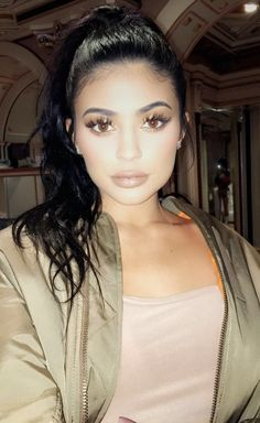 Imagen de fashion, kylie jenner style, and lips