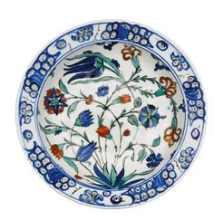An Iznik polychrome pottery dish, Turkey, circa 1570 | Lot | Sotheby's