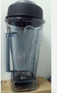 Amazon.com: Vita-Mix Clear Replacement 64 Oz Container with Ice Blade: Kitchen & Dining150.95