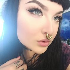 Beauties with strong personality and expression and stretched septum rings from Feel free to submit your own facial pictures to express yourself. No nudes! Septum Piercing Rings, Cheek Piercings, Cool Piercings, Piercings For Girls, Stretched Septum, Stretched Ears, Facial Pictures, Unusual Jewelry, Body Modifications