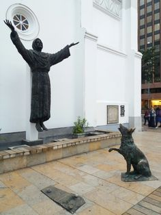 Saint Francis of Assisi and the wolf of Gubbio. Nuestra Señora de los Angeles, La Porciúncula, Church in Bogotá D.C. Calle 72