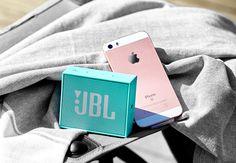 Halle, Fitbit, Campaign, Content, Medium, Board, Hall