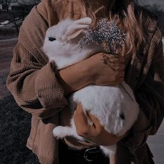 Character Aesthetic, Aesthetic Photo, Aesthetic Pictures, Deep Photos, Cute Photography, Brown Aesthetic, Books For Teens, Baby Bunnies, Aesthetic Iphone Wallpaper
