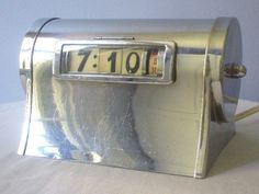ART DECO CHROME PENNWOOD NUMECHRON DESKTOP CLOCK ~EARLY MODERNIST DIGITAL~