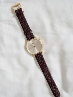 A gorgeous new watch by Minute & Azimut. This brand new range of watches is available now by donating to the brands Kickstarter. See the watches close up. Bangs, Watches, Leather, Accessories, Style, Fashion, Fringes, Swag, Moda