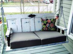 DIY Porch Swing Made from Old Doors and tutorial Porte Diy, Rideaux Design, Mesa Exterior, Diy Furniture, Outdoor Furniture, Furniture Movers, Furniture Removal, Furniture Stores, Swing Design