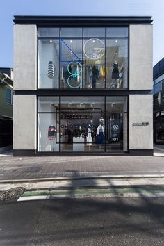 gains another outpost, this time at harajuku six terrace, a new nucleus of lifestyle brands in the harajuku maze. Shop Front Design, Store Design, Design Furniture, Furniture Projects, Visual Merchandising, Office Building Architecture, Front Elevation Designs, High Street Shops, Tailor Shop