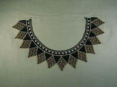 Chaquira-black-gold-white